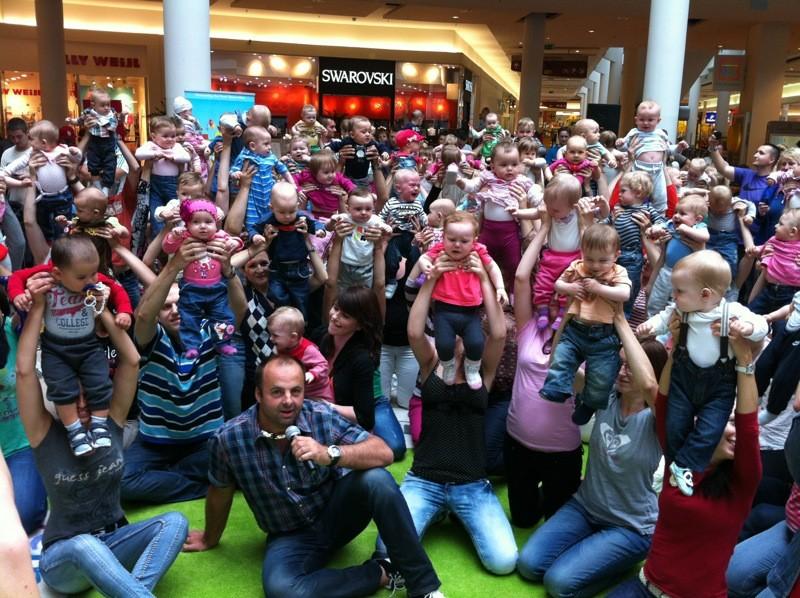 Preteky Lezúňov v Poluse. Prihlásených bolo 120 detí. 1. júna 2012. Bratislava.