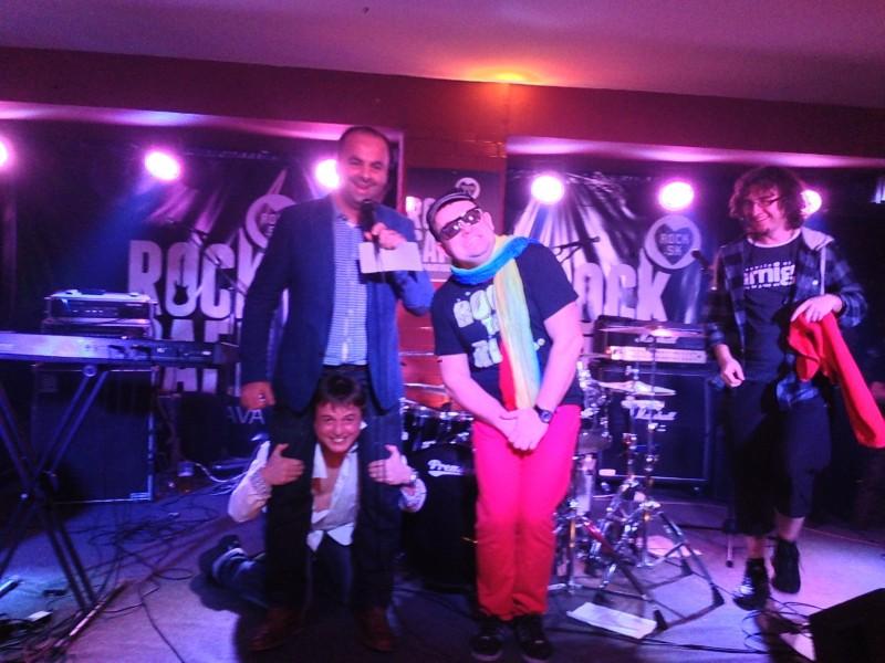 Moj posledný netradičný ples tejto sezóny. Rockový ples v Rock cafe Bratislava.  So skupinou Kochanski. 16. Februára, 2013. Bratislava.