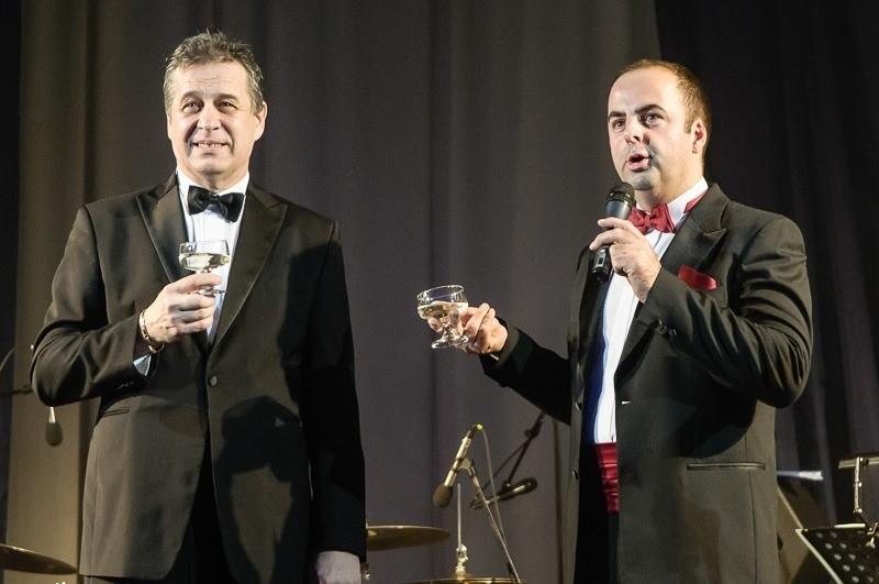 Mestský reprezentačný ples mesta Nitra. S pánom primátorom Jozefom Dvončom. 25. januára, 2012. Nitra.