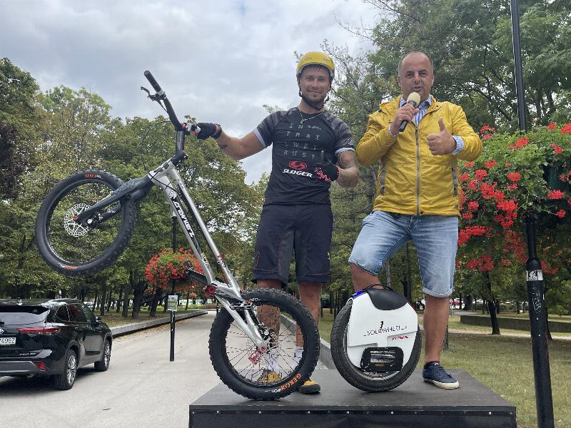 Jan Kočiš majster sveta v cyklotriale z roku 2011 podporil podujatie Na kolesach proti rakovine. 18.september 2021 Bratislava