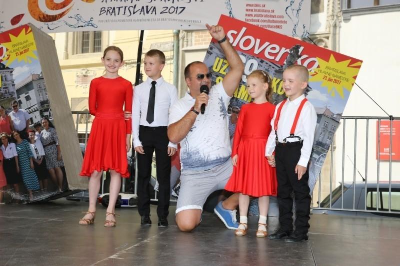 Oslava 69 narodenin tyždennika Slovenka na Hlavnom namesti. 21.jún 2017. Bratislava.