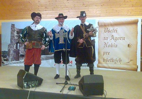 Spoločnosti Agora a Nokia, pripravili pre svojích klientov vianočný večierok v štýle Traja mušketieri. Ten v strede som ja :-) 12.12.2008 Bratislava Devín.