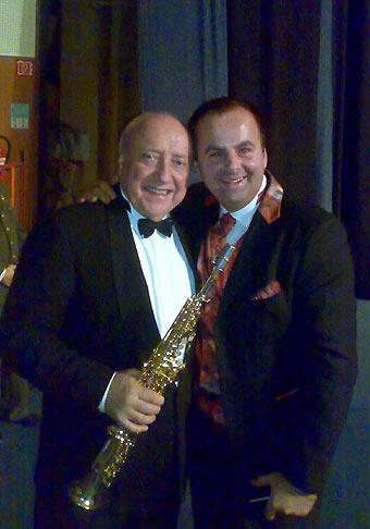 Počas koncertu Alexandrovcov som mal tú čest spolupracovať s pánom Félixom Slováčkom, ktorý mal vždy najdlhší aplauz z hostí na koncerte.