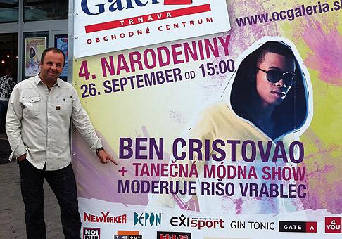 Propagácia 4. narodenín OC Galéria Trnava bola veľkolepá, čo sa odrazilo na skvelej návštevnosti. Trnava 26.9.2010.