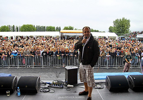 Tento rok 45. ročník festivalu Červeník navštívilo viac ako 5000 ľudí. 6.-7.8.2010, Červeník.