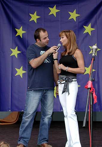 So Zorou Czoborovou na Ružinovskom podujatí pri príležitosti vstupu do EÚ.