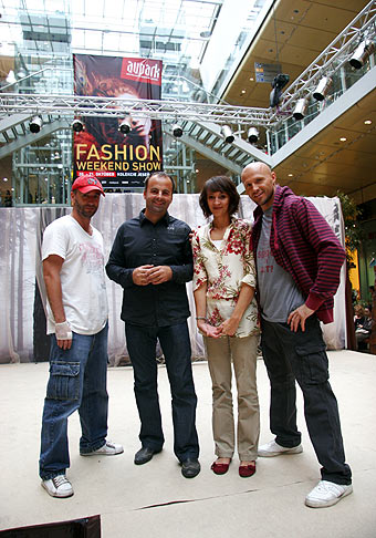 Weekend Fashion Show. Aupark, Bratislava. 20.-21.10.2007. Z ľava do prava: Jaro Bekr, Katika a Martin Hindy.