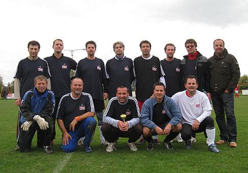 Na tretom mieste 0. ročníka Futbalového turnaja futbalových hodov pod názvom Stop starnutiu 2009 sa umiestnil team môjho obľúbeného rádia Sity. 18.10.2009 Bratislava.