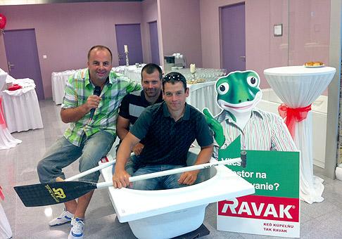 Otvorenie kúpelňového centra RAVAK v Bratislave prišli podporiť aj trojnásobní olympijskí víťazi, bratia Peter a Pavol Hochschornerovci. 31.6.2011 Bratislava.
