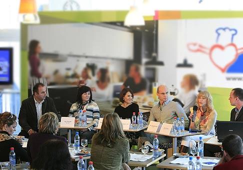 Tlačová konferencia spoločnosti IKEA pod názvom www.uvartesilepsizivot.sk za prítomnosti známych osobností dňa 25.11.2008 v Bratislave