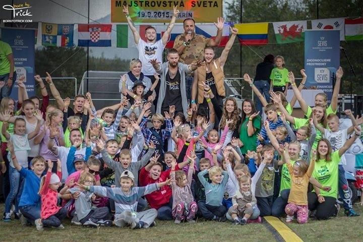 Klobucik hop Majstrovstva sveta v tejto spolocenskej hre. 19.septembra.2015. Varin.
