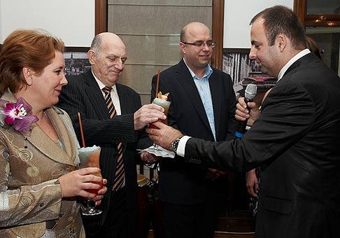 Otvorenie novej kubánskej reštaurácie v Žiline za prítomnosti Jeho excelencie veľvyslanca Kubánskej republiky, druhý zľava. Žilina, 28.11.2008. Foto: Roderick Kučavík.