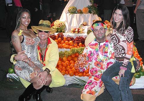 Karneval ovocných rozkoší - tak sa volala sobotná akcia v Auparku a tak by sa dala nazvať aj táto fotka.