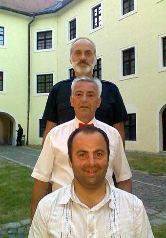 Poznáte týchto dvoch pánov? Mrázek a Pitkin s Bandžo Band Ivana Mládka. Sú to milí a veselí páni a takých mám rád! 17.5.2008 Skalica.