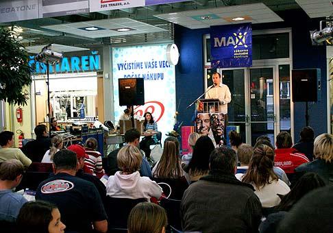 Live Aukcie v nákupno zábavnom centre MAX v spolupráci s OneTwoSold. 12.11.2005.