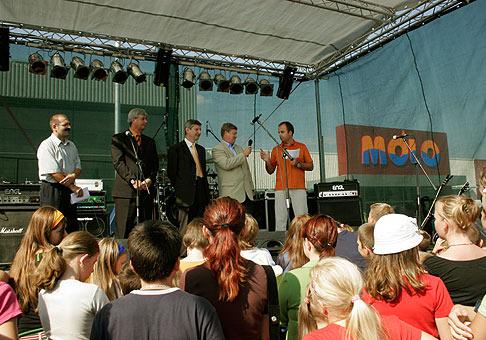 Slavnostné otvorenie obchodno-zábavného centra MÓLO v Pezinku. 24.9.2005.