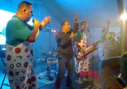 A opäť som sa výborne vybláznil so skupinou Maxim Turbulenc. 11.9.2009 Piešťany.