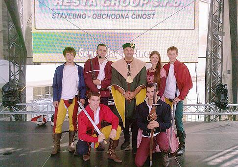 19. ročník Skalických dní. Nemám rád moderovanie v kostýmoch, ale vítať kráľa Ľudovíta I. som nemohol v rifliach a tričku :-) 12-13.9.2009 Skalica.