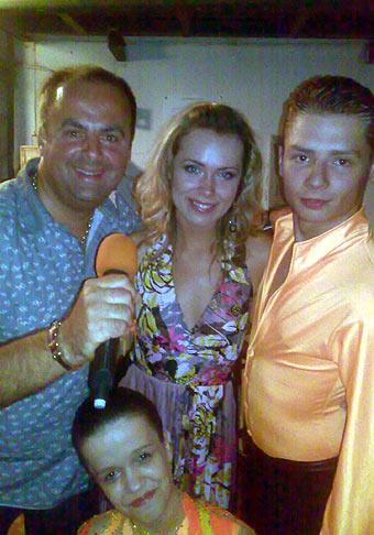 S Mirkou Partlovou a s Deanom a Saškou z TK Danube Bratislava - tanečný šport na vozíčku, na podujatí Občianskeho združenia Mosty v Žiari nad Hronom. 10.6.2009