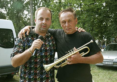 Svetoznámy jazmen a trubkár Laco Deczi. Žiar nad Hronom. 15.8.2009.