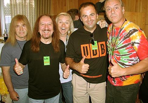 Mal som tú česť zoznámiť sa s umelcami zo skupiny Uriah Heep z VB na Topvar Rockfeste na Zelenej Vode.