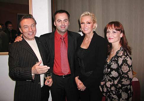 Z ľava: Karel Gott, Richard Vrablec, Helena Vondráčková a Anna Ghannamová